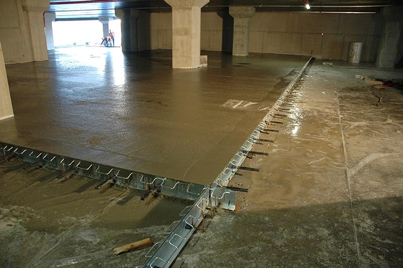 Tekno beton microcemento microtopping somma lombardo for Quanto costa costruire un capannone